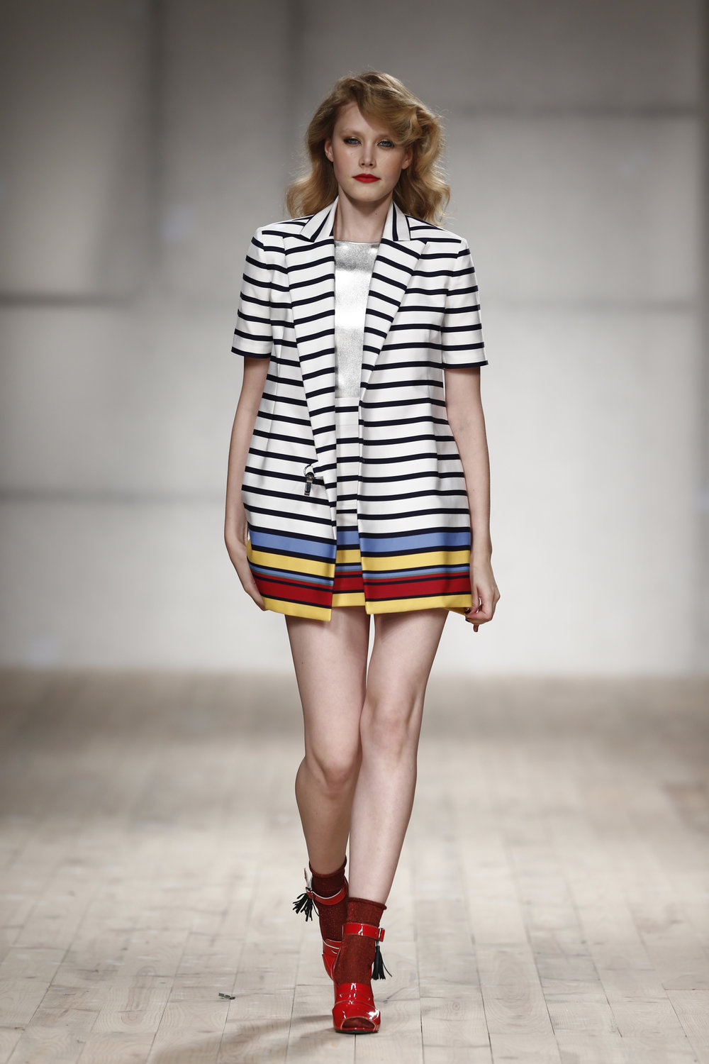 color striped blazer  One available size 36 Original Price 473€ | Discount Price 236€ Ref. Lcss17s46