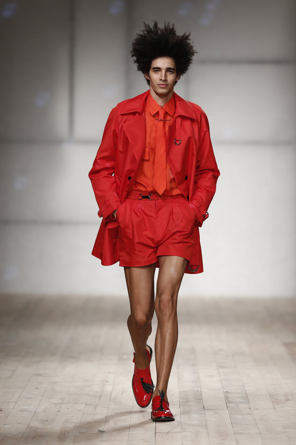 red Trench Coat  One available size 38 Original Price 594€ | Discount Price 355€ Ref. LCss17h15
