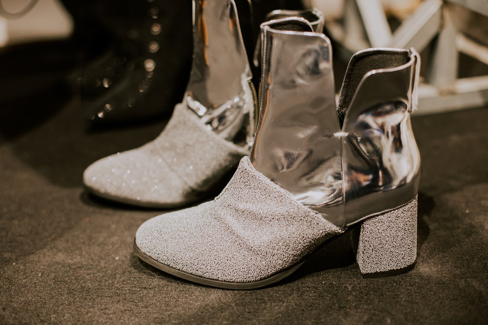 Silver block heel boots  One available size 40 Original Price 209,90€ | Discount Price 84€ Ref. LCFW17SSo8  *Available in black and pink velvet