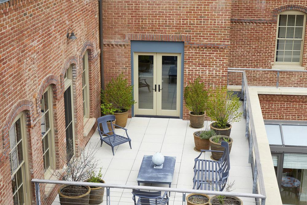 11 Watchcase406_patio.jpg