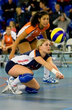 Malin Lindgren playing professional volleyball for Orebro Volley