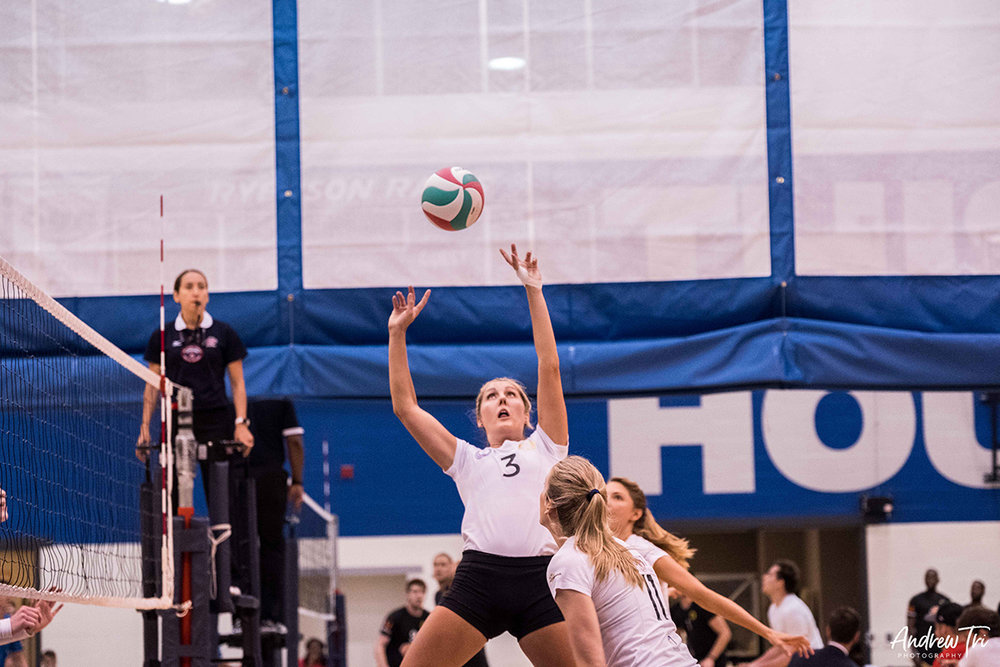 Betteridge competing for Unity Volleyball in the 2017 Premier League