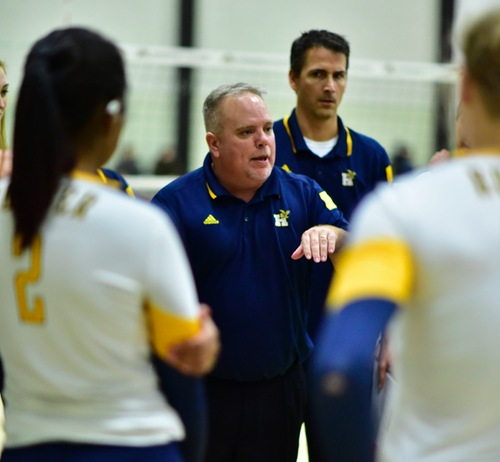 Chris Wilkins coaching the Women's Volleyball team at Humber College.