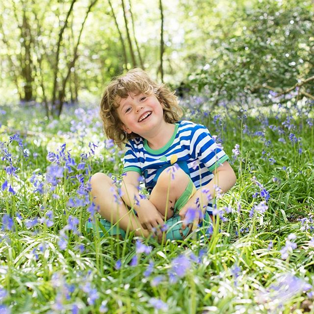 Bluebell happiness 💙 One of my favourite customers on his third shoot with me!  #kidsphotography #bluebells #sussexphotographer #family #letthembelittle #portrait #themagicofchildhood