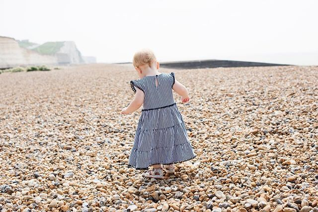 Fun shooting at the beach recently.  #familyphotography #letthemexplore #sussexphotographer #brighton #littleandbrave #cameramama #themagicofchildhood