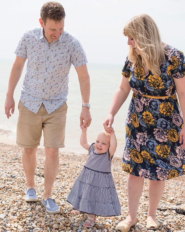 More beach fun from a lovely family shoot recently! #family #naturalportraits #sussex #familyportrait #saltdean #brighton