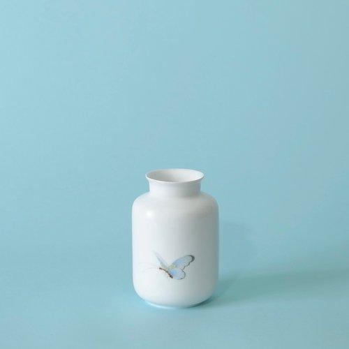 Hand Painted Mini Vase 1 Mv1hp Bf M I D D L E K I N G D O M