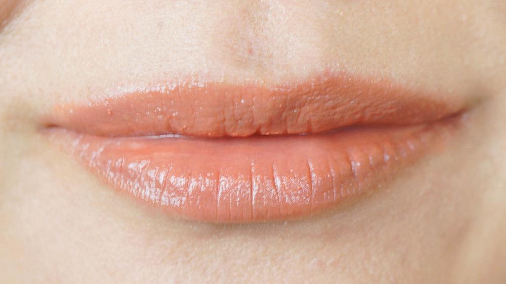 Extra Glow Lipstick in 11 Hanautsugi