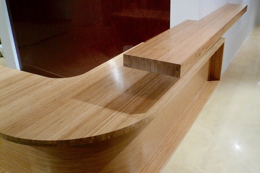 cantilever reception desk - in Bamboo with shelf