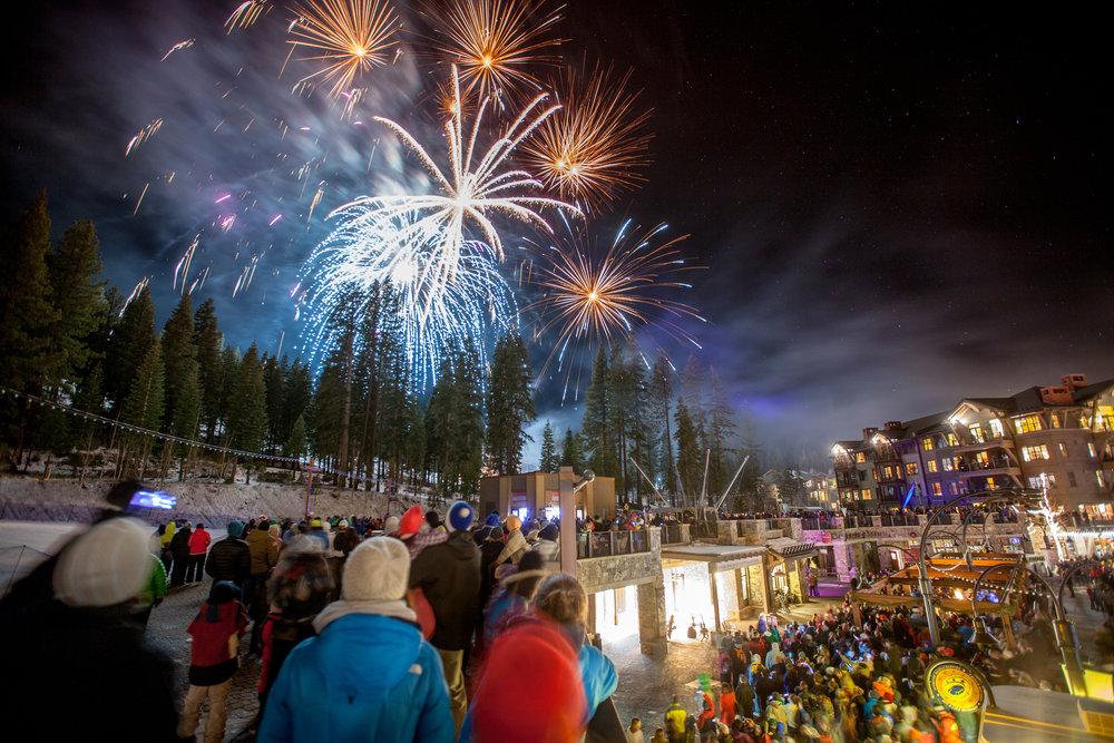 NYE Fireworks-12.31.2013-3 2.jpg