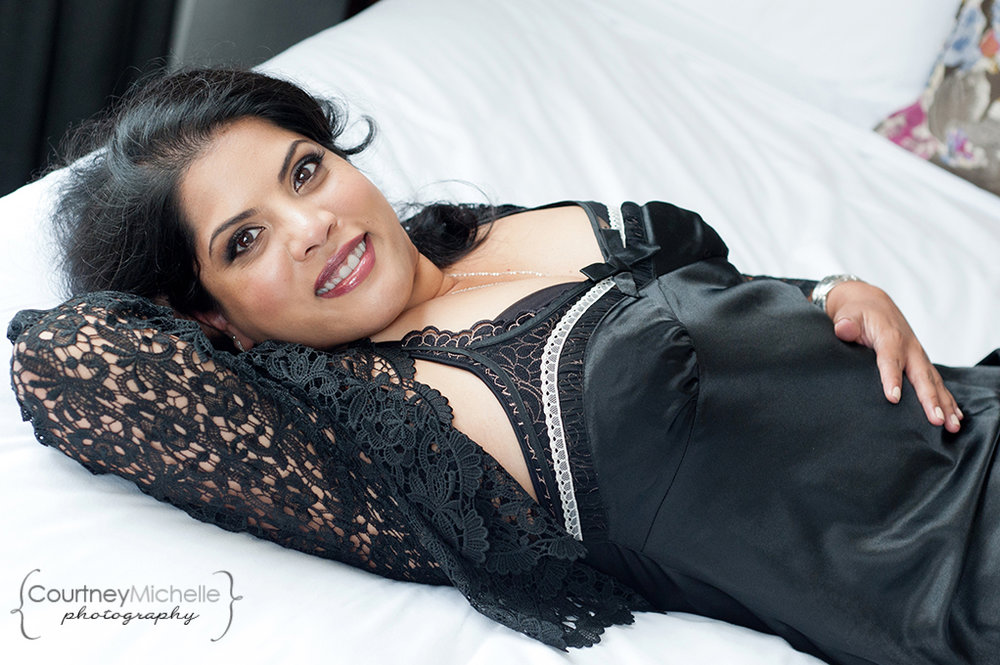 woman-laying-on-bed-in-lingerie-chicago-boudoir-photography-by-courtney-laper.jpg