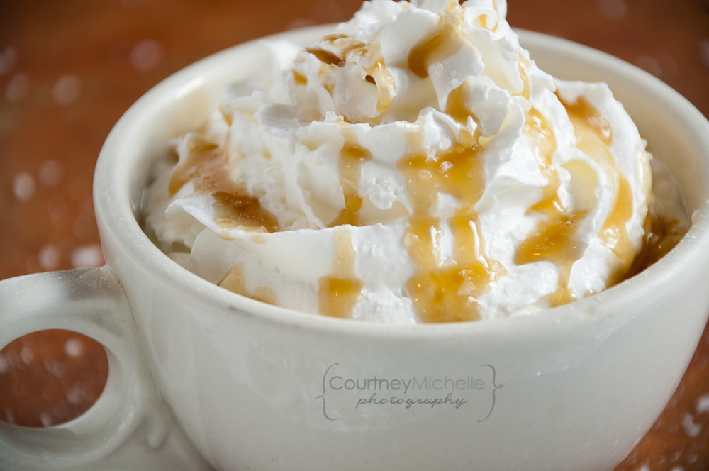 carmel-latte-with-sea-salt-chicago-food-lifestyle-photography-by-courtney-laper.jpg