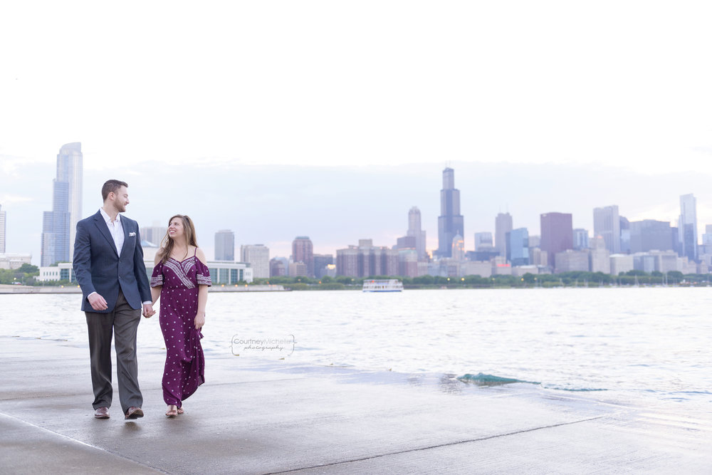 chicago-engagement-skyline-at-sunset-walking-adler-planetarium-engagement-photography-by-courtney-laper.jpg