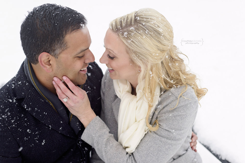 snowy-chicago-engagement-photography-museum-campus-snuggling-on-bench-in-snow-courtney-laper©COPYRIGHTCMP-3473.jpg