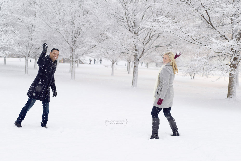 snowy-chicago-engagement-photography-museum-campus-snowball-fight-courtney-laper©COPYRIGHTCMP-3500.jpg