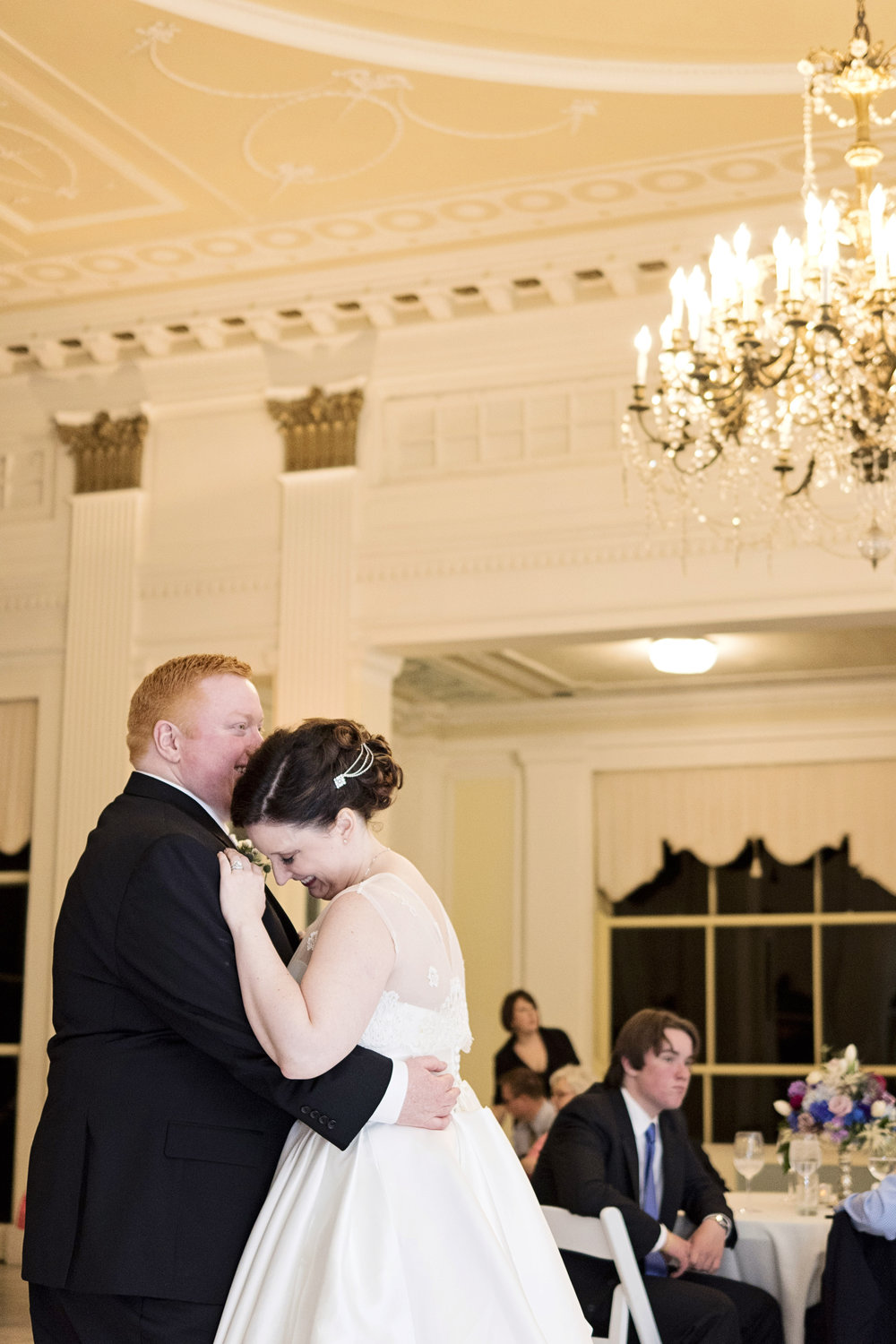 chicago-wedding-photographer-south-shore-cultural-center-first-dance