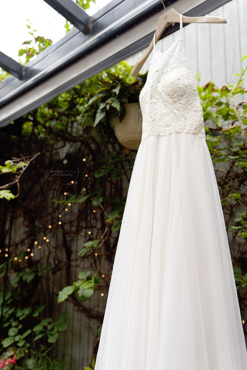 wedding-dress-volo-chicago-wedding-patio©COPYRIGHTCMP-_DSC4452edit.jpg