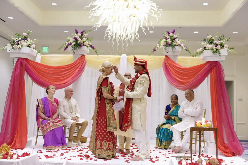 hindu-ceremony-grand-cayman-ritz-carlton-wedding©CopyrightCMP-LeaAnneRaj-7102.jpg