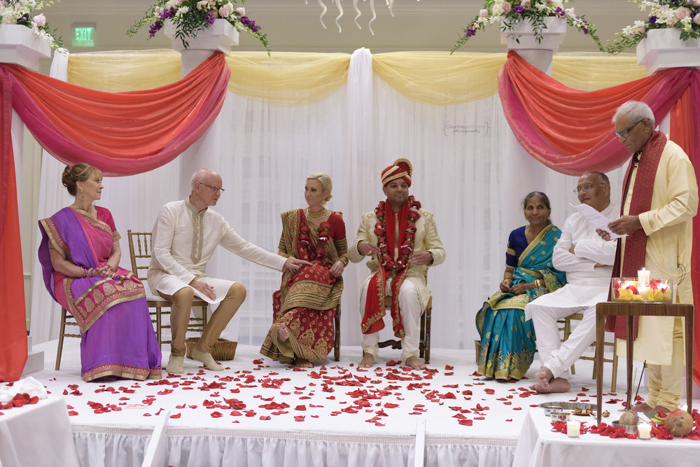 hindu-ceremony-grand-cayman-ritz-carlton-wedding©CopyrightCMP-LeaAnneRaj-7124.jpg