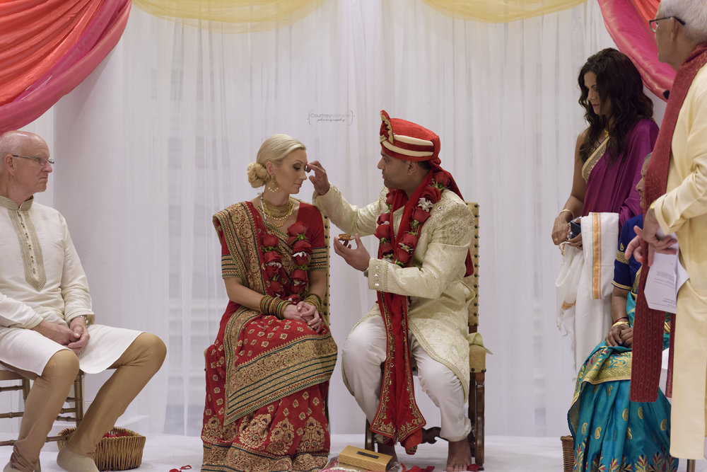 hindu-ceremony-grand-cayman-ritz-carlton-wedding©CopyrightCMP-LeaAnneRaj-7143.jpg