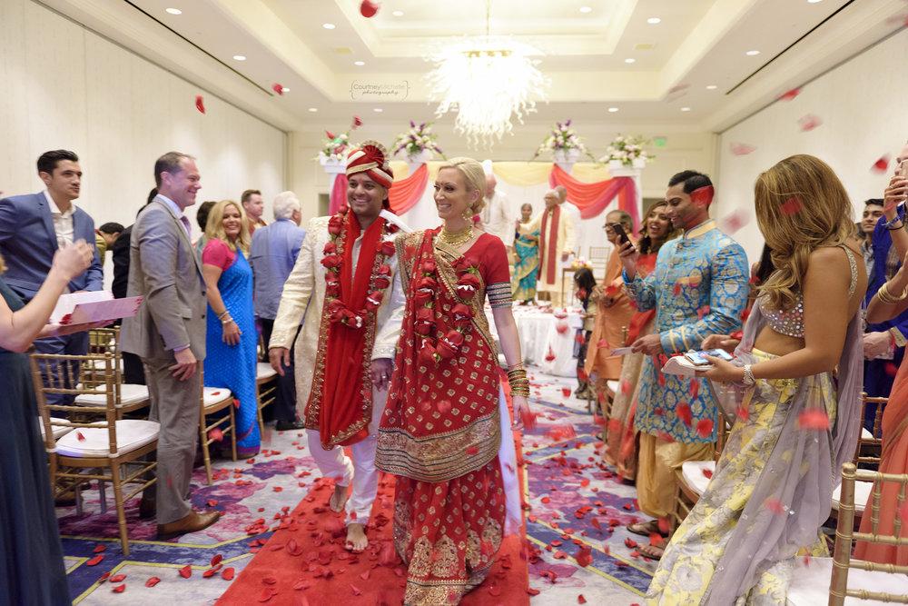 hindu-ceremony-grand-cayman-ritz-carlton-wedding©CopyrightCMP-LeaAnneRaj-7239.jpg