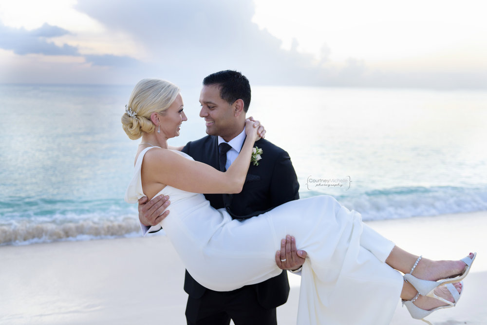 grand-cayman-wedding-ritz-carlton-courtney-laper-photography©COPYRIGHTCMP-8004.jpg