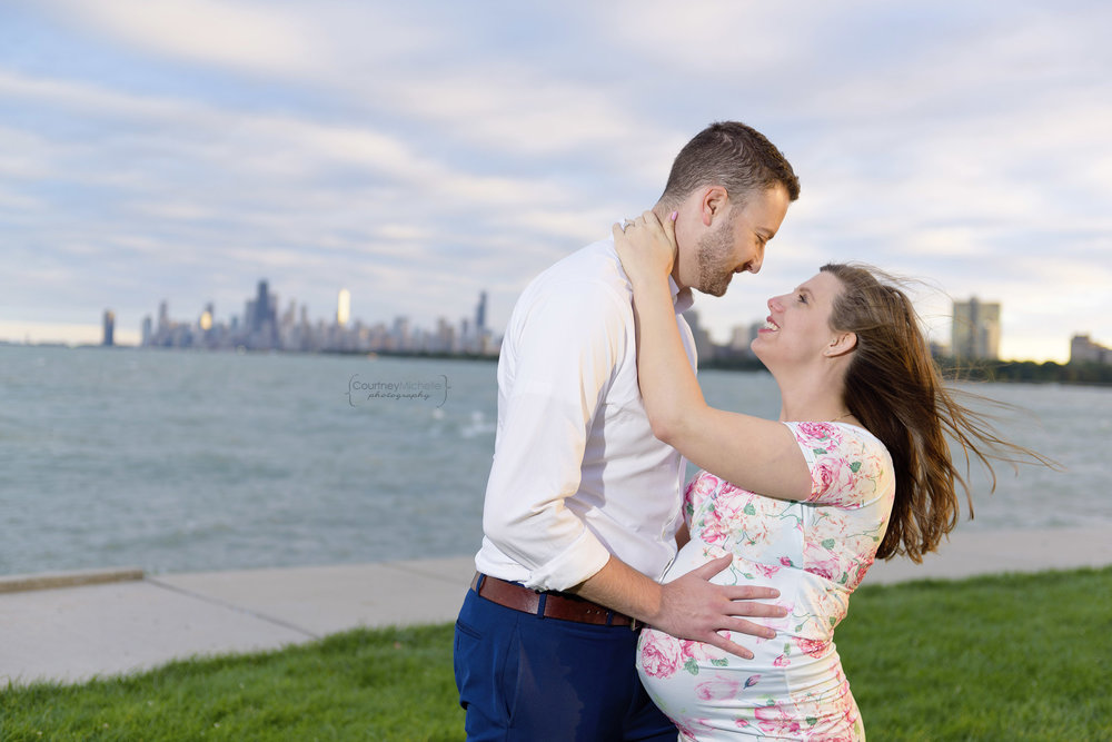 montrose-beach-maternity-photo-courtney-laper©COPYRIGHTCMP-Maternity-3123.jpg