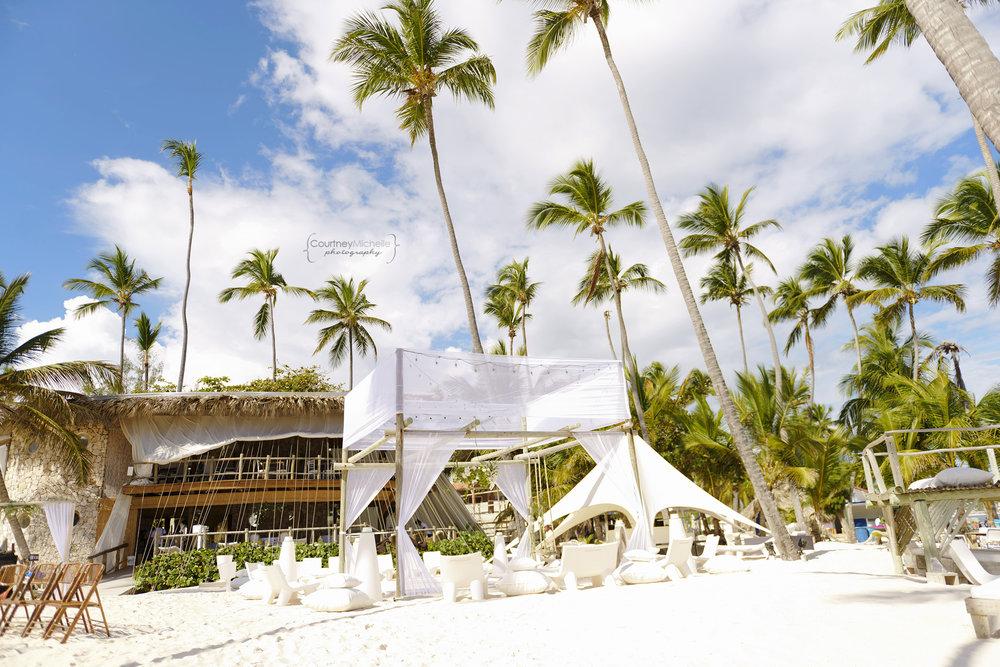 punta-cana-dominican-republic-jellyfish-wedding-beach-wedding-photography-courtney-laper©CopyrightCMP_2019-EmmaTito-9295.jpg