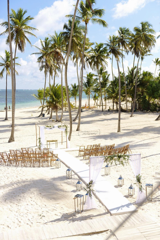 punta-cana-dominican-republic-jellyfish-wedding-beach-wedding-photography-courtney-laper©CopyrightCMP_2019-EmmaTito-9424.jpg