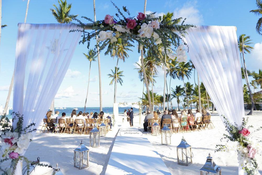 punta-cana-dominican-republic-jellyfish-wedding-beach-wedding-photography-courtney-laper©CopyrightCMP_2019-EmmaTito-0156.jpg