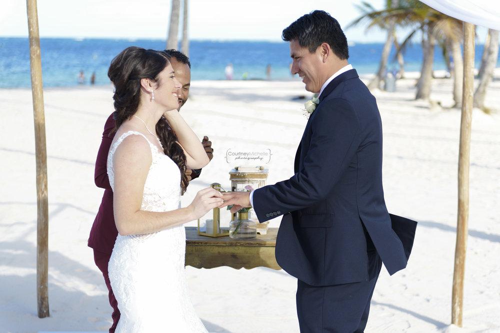 punta-cana-dominican-republic-jellyfish-wedding-beach-wedding-photography-courtney-laper©CopyrightCMP_2019-EmmaTito-0273.jpg