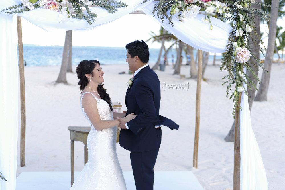 punta-cana-dominican-republic-jellyfish-wedding-beach-wedding-photography-courtney-laper©CopyrightCMP_2019-EmmaTito-0300.jpg