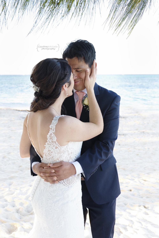 punta-cana-dominican-republic-jellyfish-wedding-beach-wedding-photography-courtney-laper©CopyrightCMP_2019-EmmaTito-0580.jpg