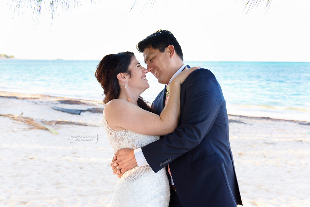 punta-cana-dominican-republic-jellyfish-wedding-beach-wedding-photography-courtney-laper©CopyrightCMP_2019-EmmaTito-0587.jpg
