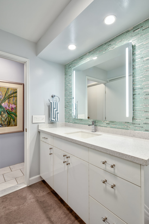 whitebathroom-2.jpg