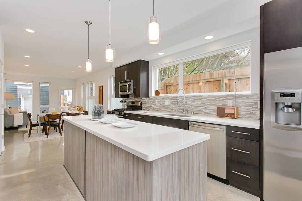 Magnolia Mod -$685,000
