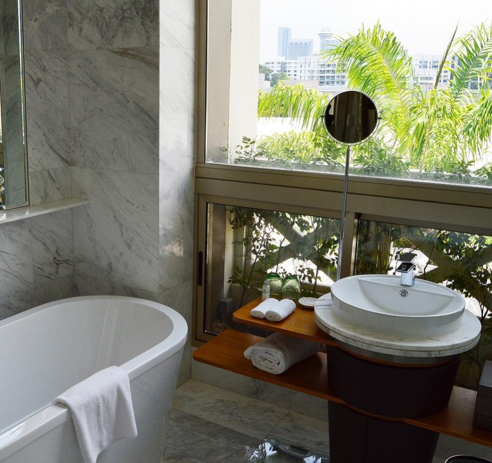 Hotel Pedestal Sinkjpg