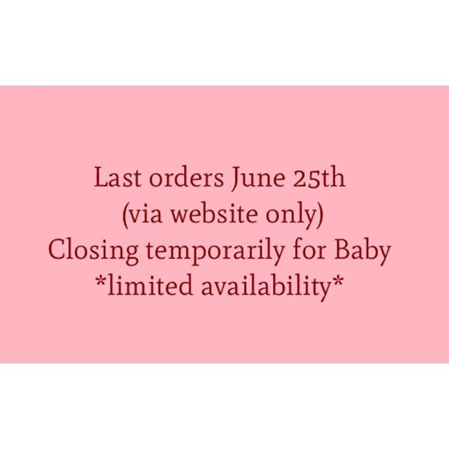 Just one last reminder 💋💕 All crowns handmade to order and shipped within 7 *business* days of purchase and due to such an overwhelming response there's only few styles available. More info on the Shop Page and About/Shipping page on website (link in Bio) Possibly reopening in Nov/Dec but no exact date locked in just yet, all plans are very baby dependant :) Thank you so much for all the messages of love & support! 💋💕 Natasha x