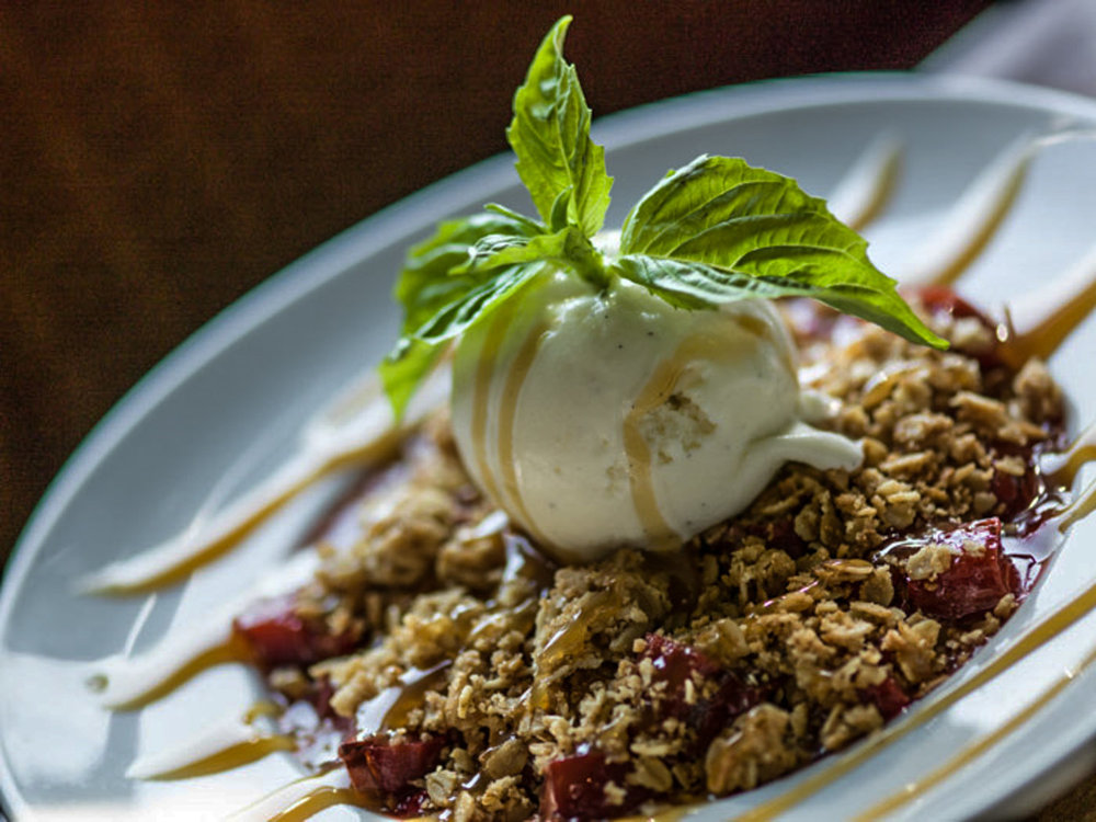 restaurant-bar-Spokane-WA-Strawberry-Crumble.jpg
