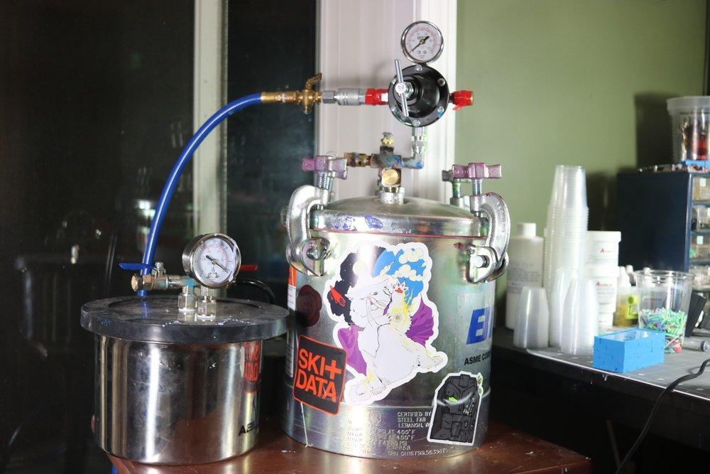 Binks Pressure Pot & Vacuum Chamber