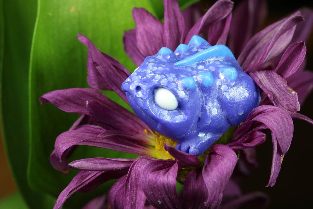 Hyper-Violet Shine Peek