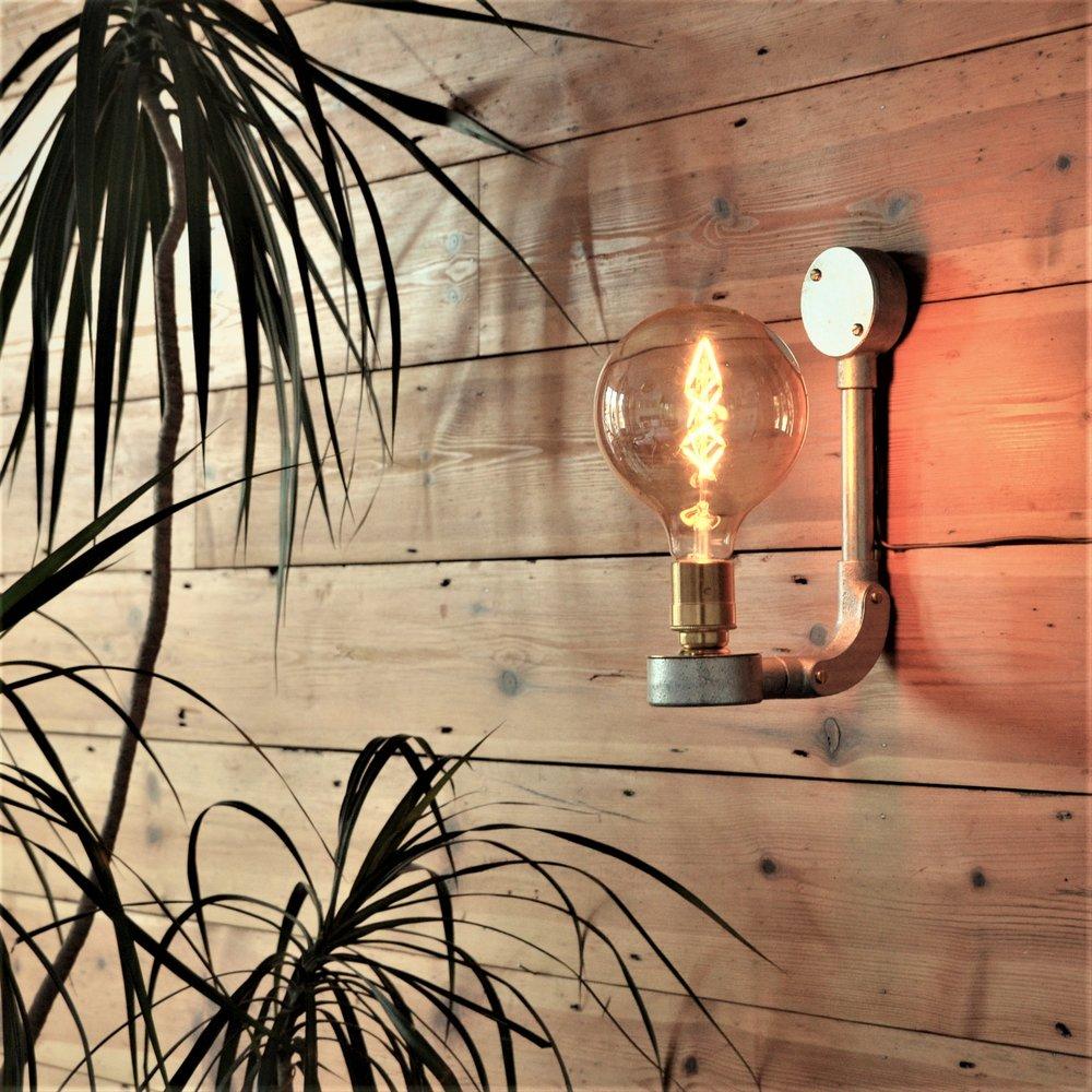 Light Fixation Wall Light 1a.jpg