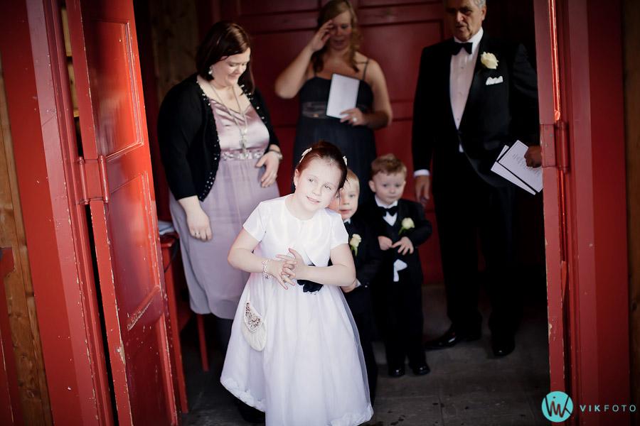 brudepike-vielse-bryllup-vinter-februar-oslo.jpg