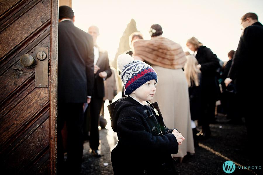 brudesvenn-fotograf-oslo-kirke-barn.jpg