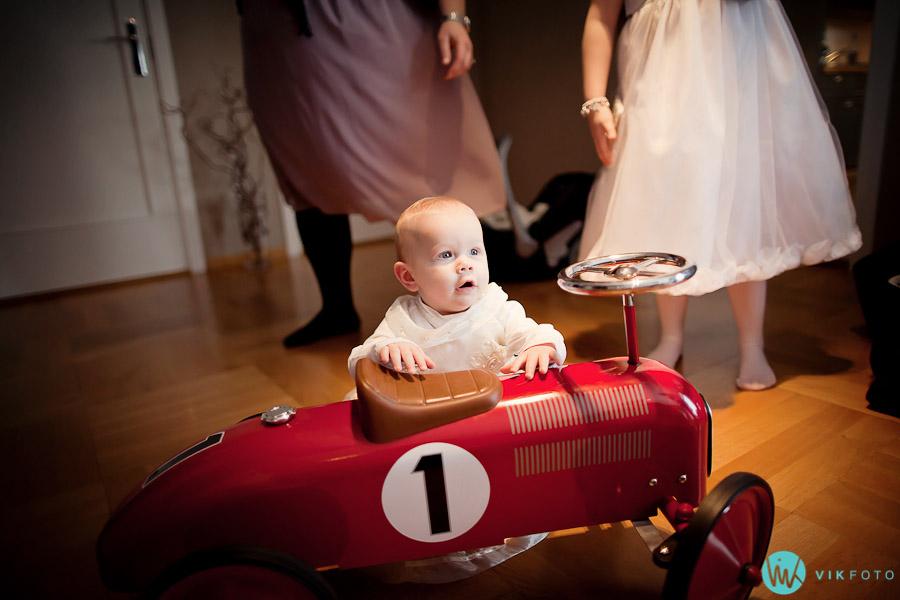 bryllup-baby-kjole-barn-brudepike.jpg