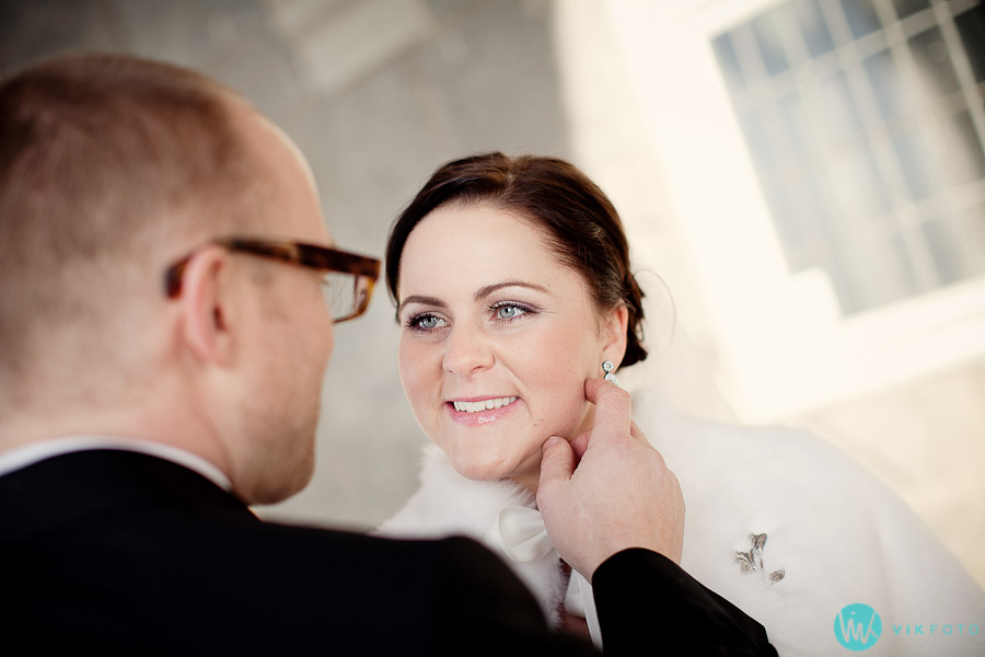 bryllupsbilde-brudepar-naturlig-lys-fotograf-oslo-vikfoto.jpg