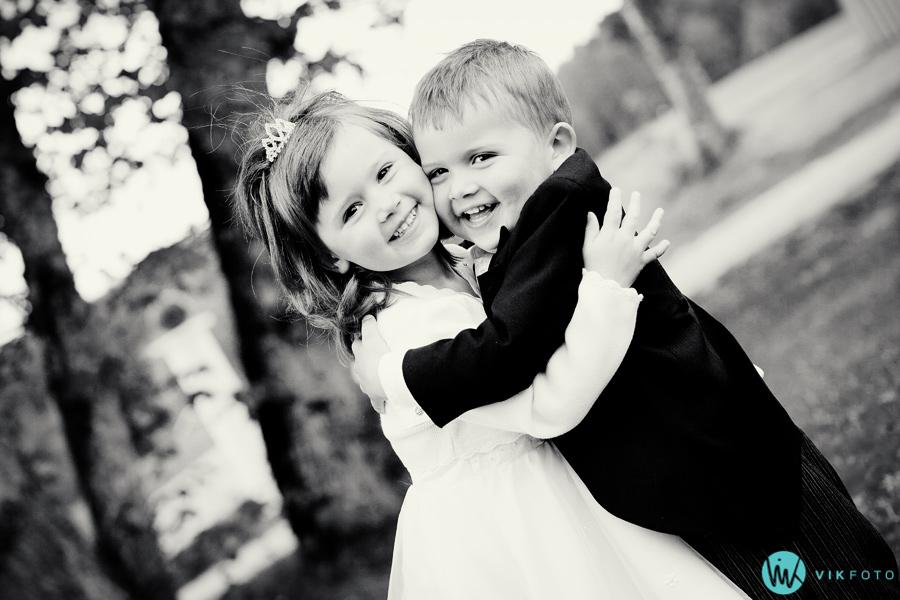 034-søskenkjærlighet-brudepike-brudesvenn.jpg