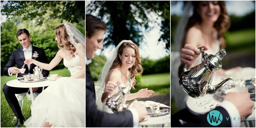 17-brudepar-picnic-bryllup-torderod-gard-moss.jpg