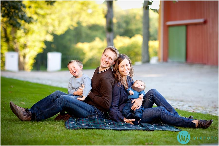 portrett-familie-fotograf-sarpsborg-hafslundparken.jpg
