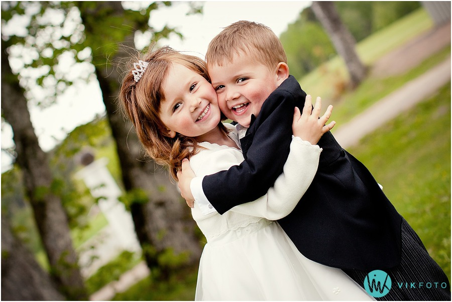 brudepike-brudesvenn-bryllup-barn-losby-gods.jpg